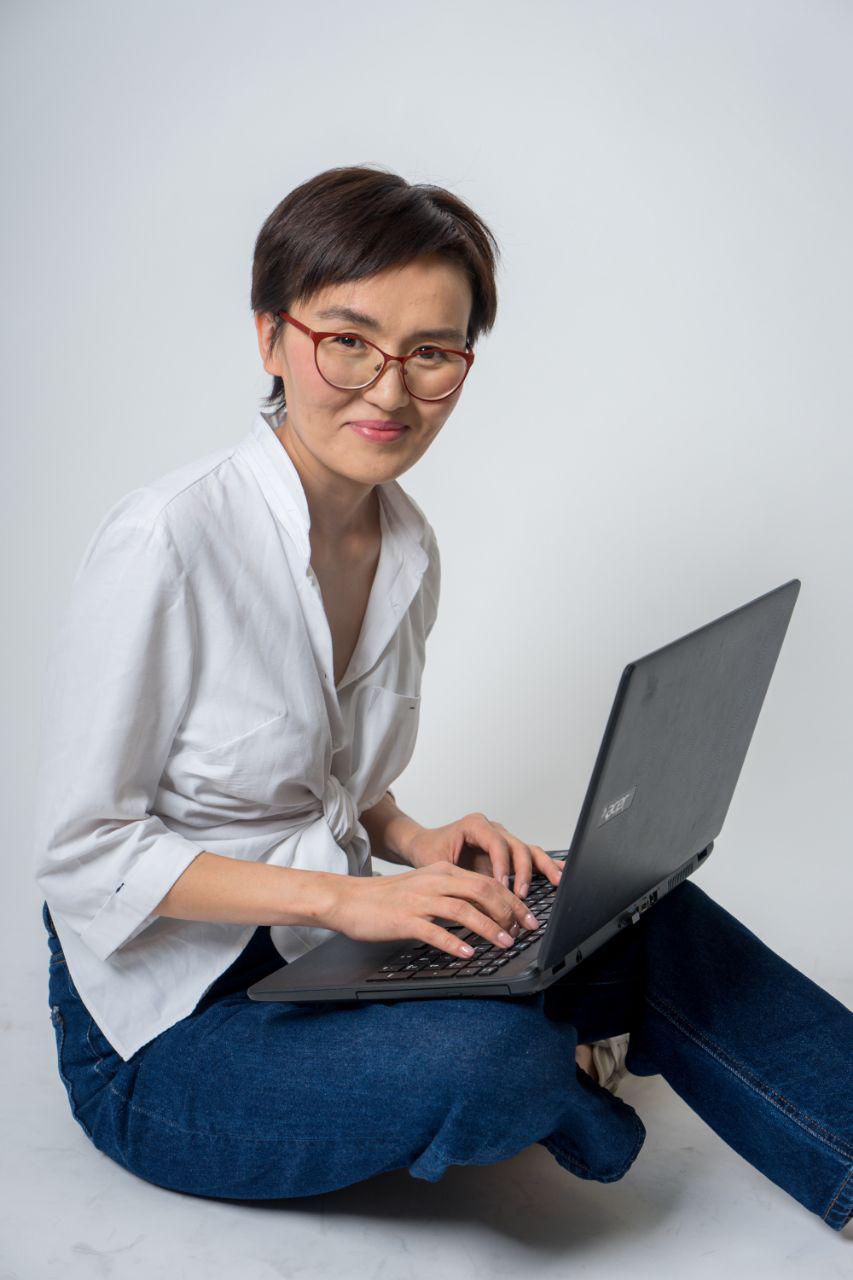 """Карлыгаш Токбаева. Доход вырос в 2 раза. О ее пути в интернет-профессии """"Специалист по рекламе в Facebook и Instagram"""""""